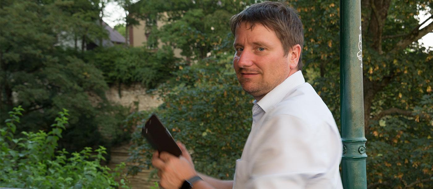 Marc Gimbel auf dem Fotowalk im Stadtgarten Überlingen mit Marianne Kaindl, See-Marketing